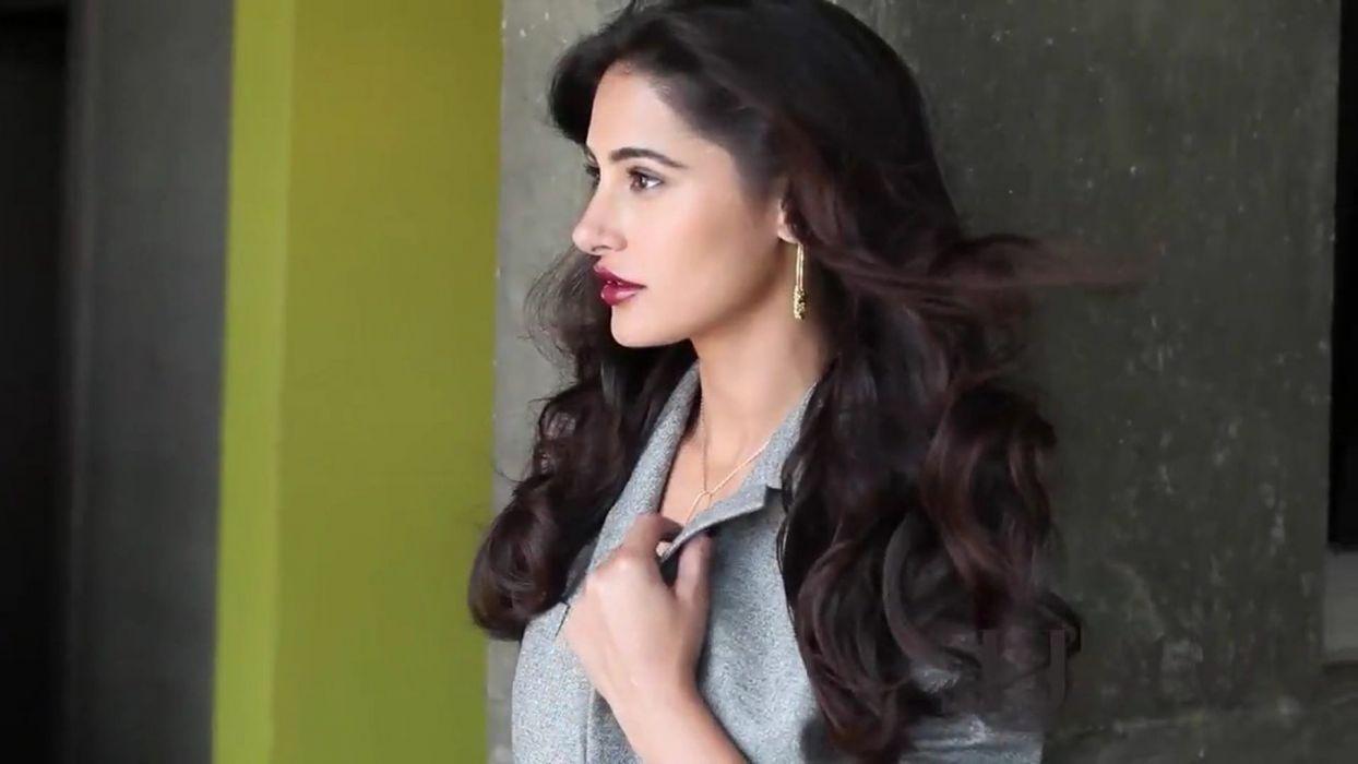 NARGIS FAKHRI actress bollywood model babe (58) wallpaper
