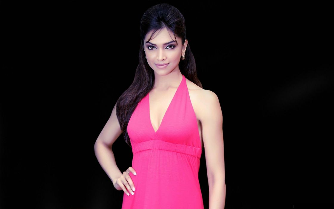 DEEPIKA PADUKONE indian film actress model bollywood babe (37) wallpaper