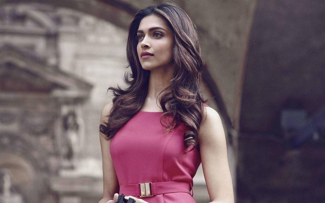 DEEPIKA PADUKONE indian film actress model bollywood babe (38) wallpaper