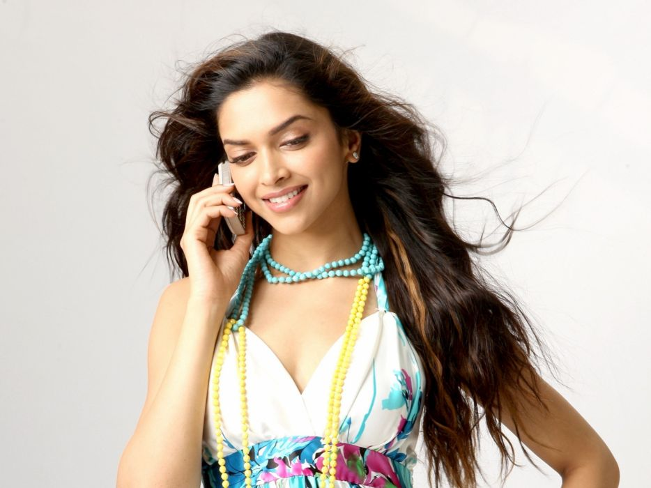 DEEPIKA PADUKONE indian film actress model bollywood babe (78) wallpaper