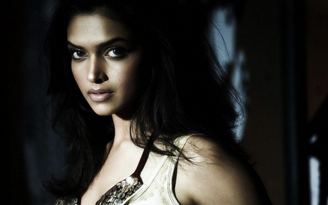 DEEPIKA PADUKONE indian film actress model bollywood babe (117) wallpaper
