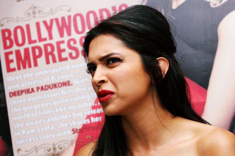 DEEPIKA PADUKONE indian film actress model bollywood babe (111) wallpaper