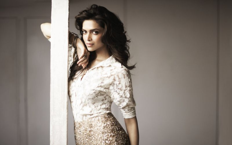 DEEPIKA PADUKONE indian film actress model bollywood babe (132) wallpaper