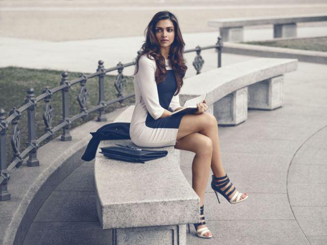 DEEPIKA PADUKONE indian film actress model bollywood babe (124) wallpaper