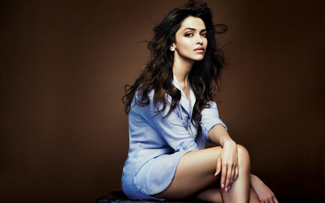 DEEPIKA PADUKONE indian film actress model bollywood babe (137) wallpaper