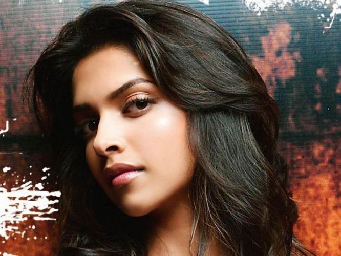 DEEPIKA PADUKONE indian film actress model bollywood babe (139) wallpaper