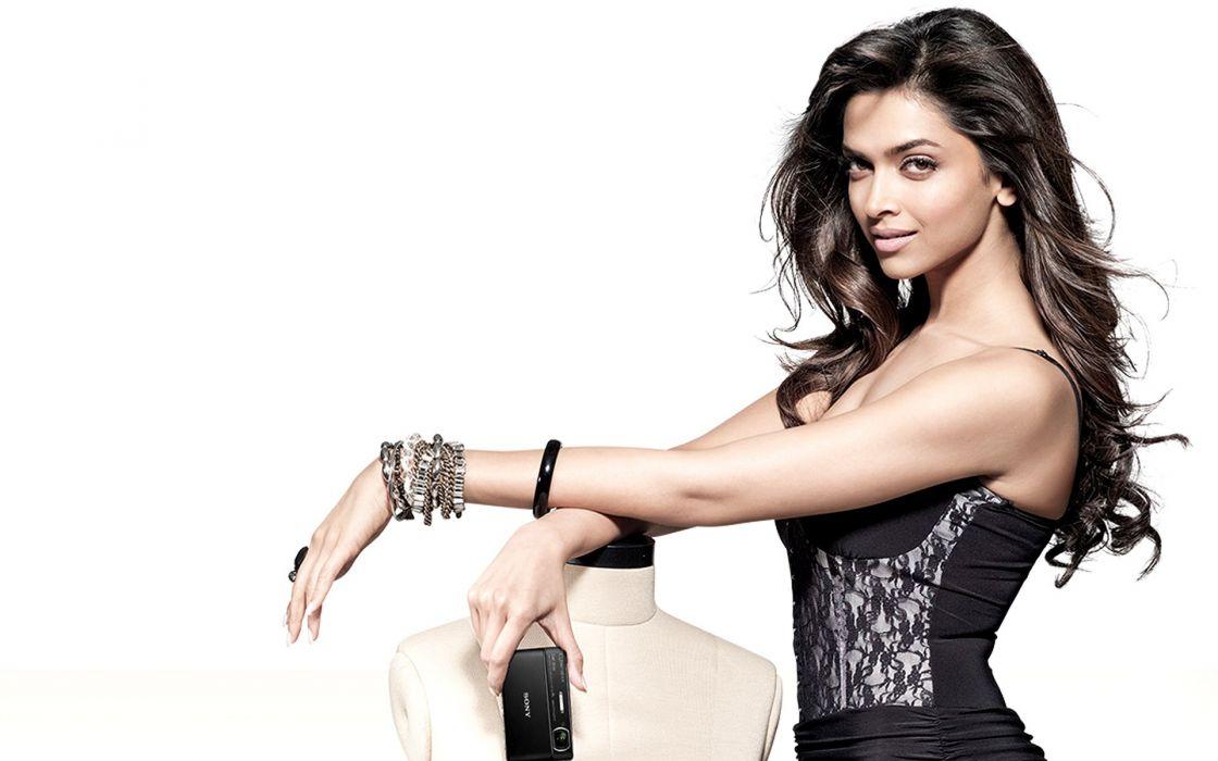 DEEPIKA PADUKONE indian film actress model bollywood babe (133) wallpaper