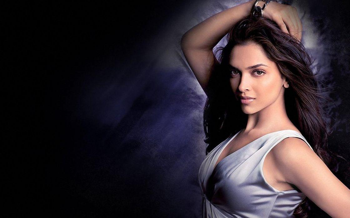 DEEPIKA PADUKONE indian film actress model bollywood babe (153) wallpaper