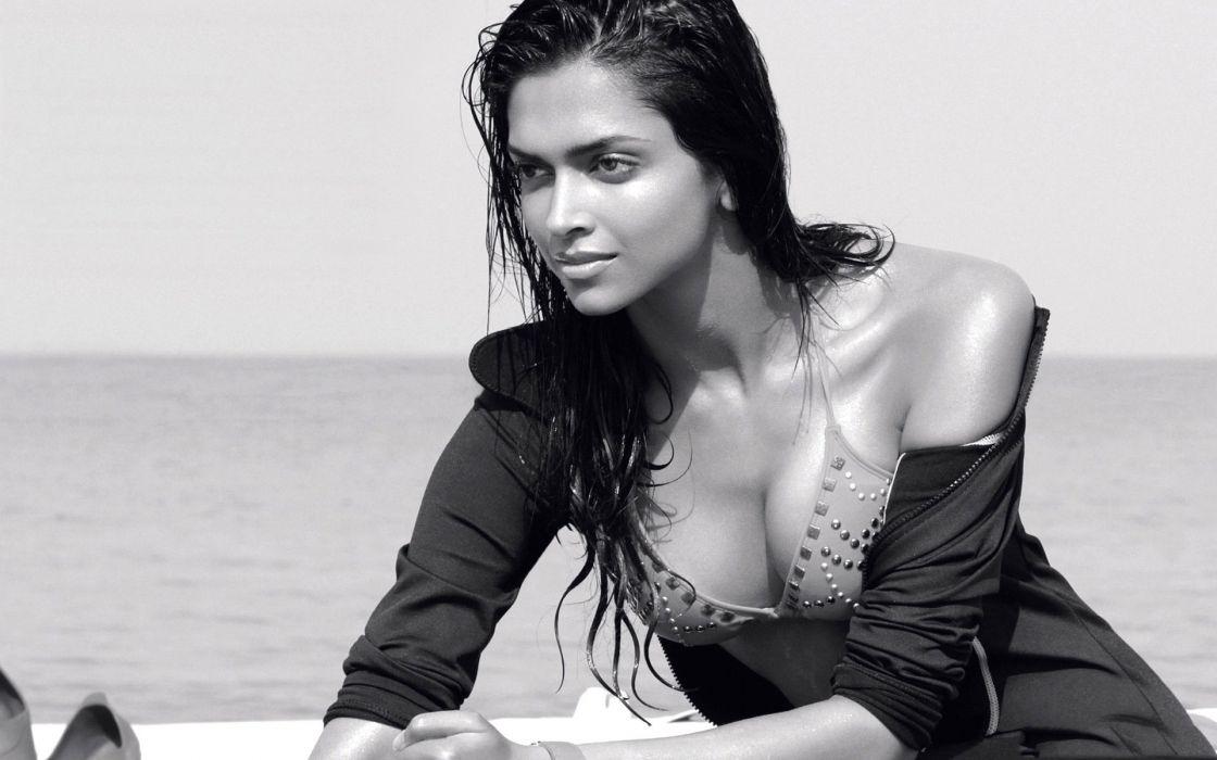 DEEPIKA PADUKONE indian film actress model bollywood babe (151) wallpaper