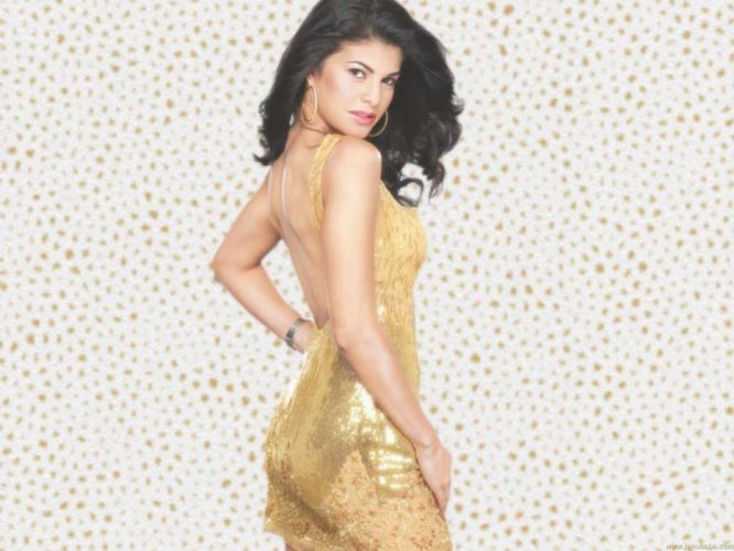 JACQUELINE FERNANDES indian film actress model babe bollywood (5) wallpaper