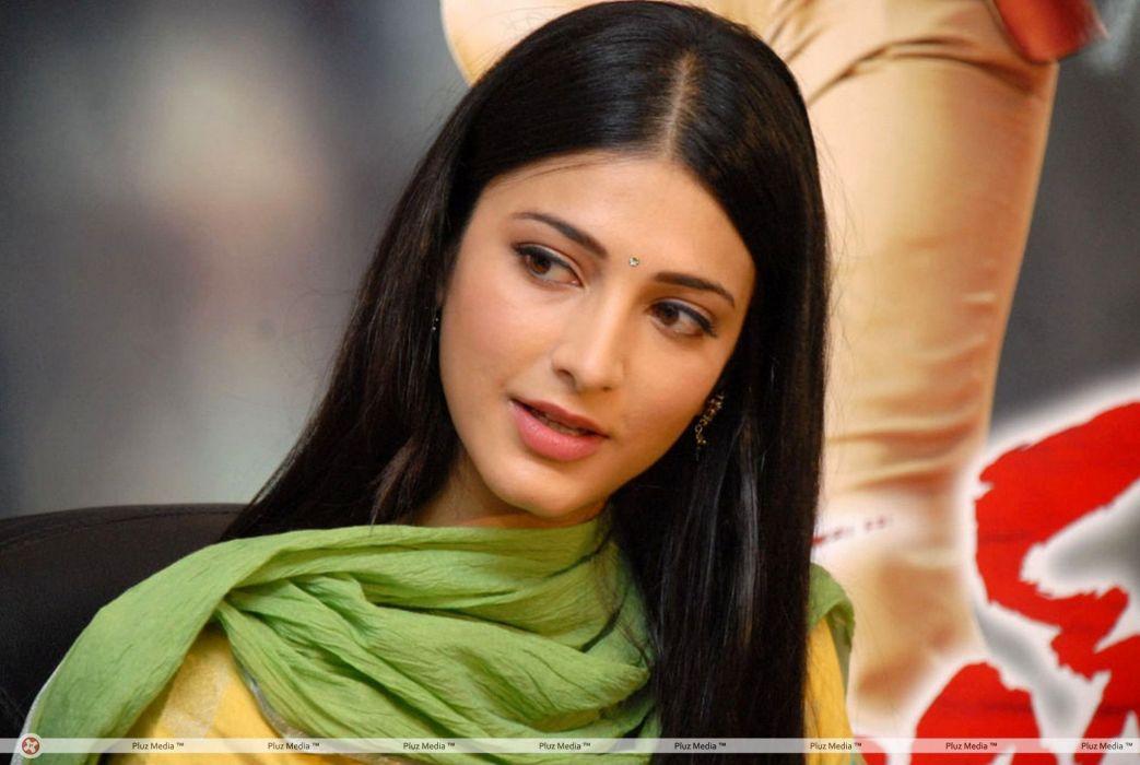 SHRUTI HASSAN indian actress bollywood singer model babe (7) wallpaper