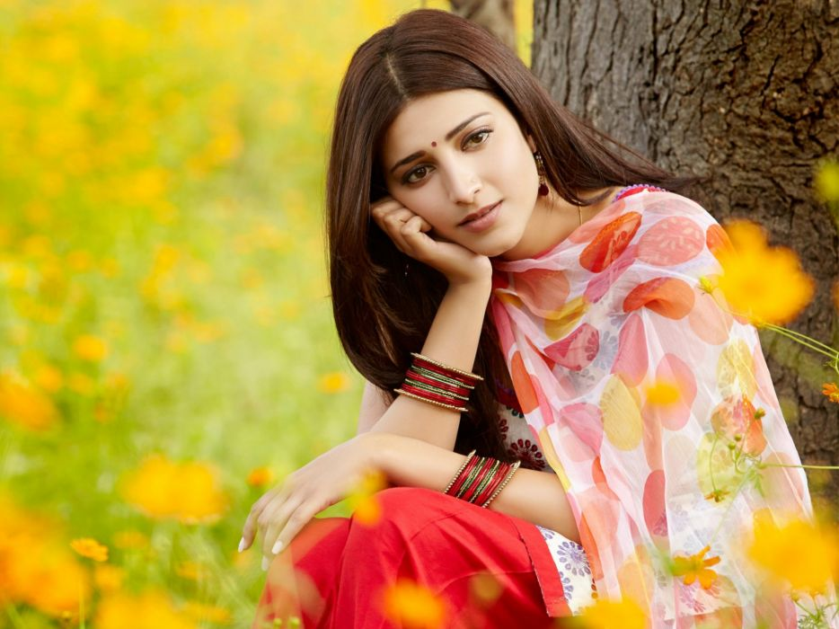 SHRUTI HASSAN indian actress bollywood singer model babe (10) wallpaper
