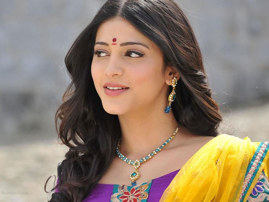 SHRUTI HASSAN indian actress bollywood singer model babe (29) wallpaper