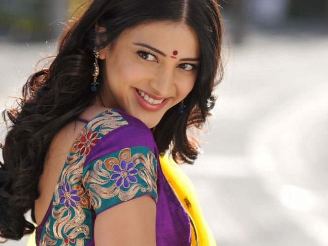 SHRUTI HASSAN indian actress bollywood singer model babe (53) wallpaper