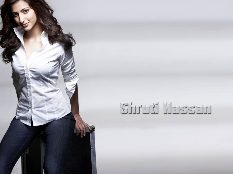 SHRUTI HASSAN indian actress bollywood singer model babe (46) wallpaper