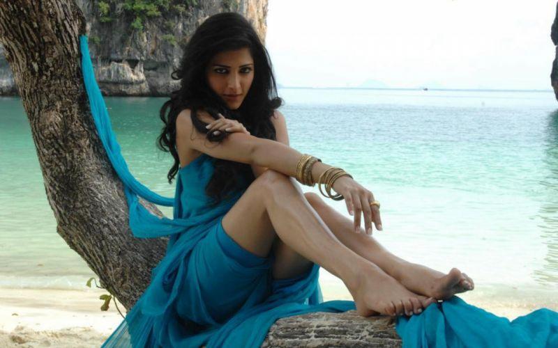 SHRUTI HASSAN indian actress bollywood singer model babe (68) wallpaper
