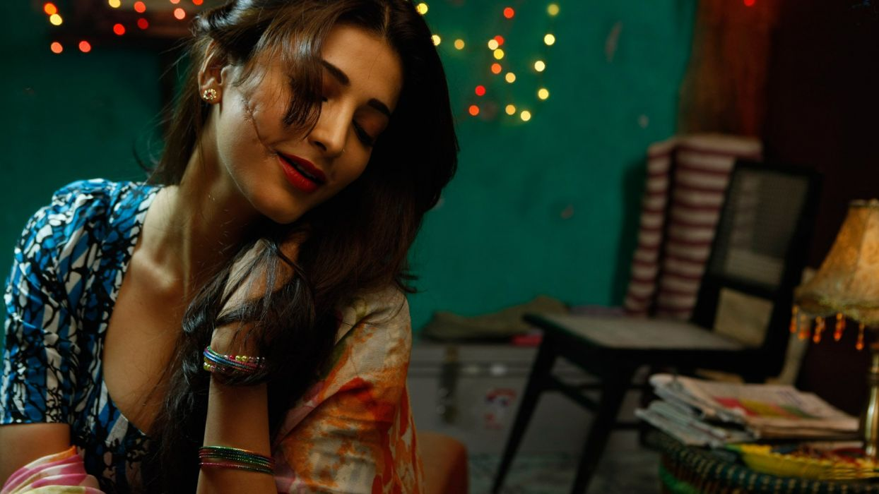 SHRUTI HASSAN indian actress bollywood singer model babe (81) wallpaper