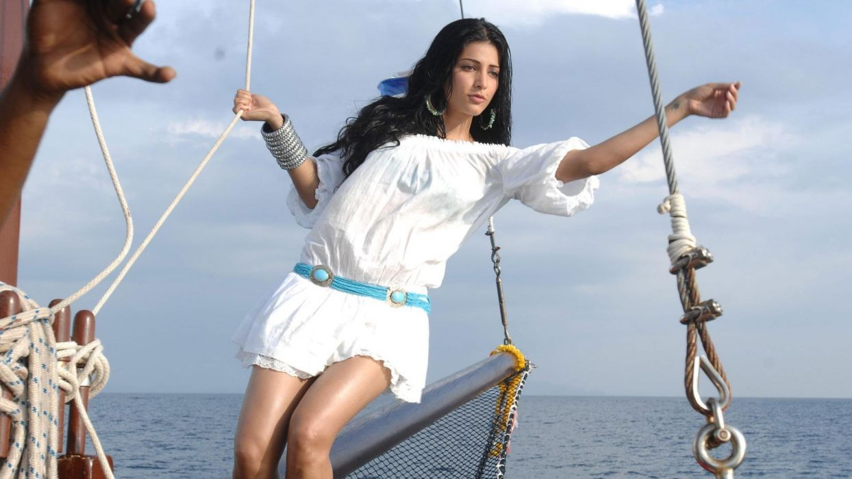 SHRUTI HASSAN indian actress bollywood singer model babe (80) wallpaper