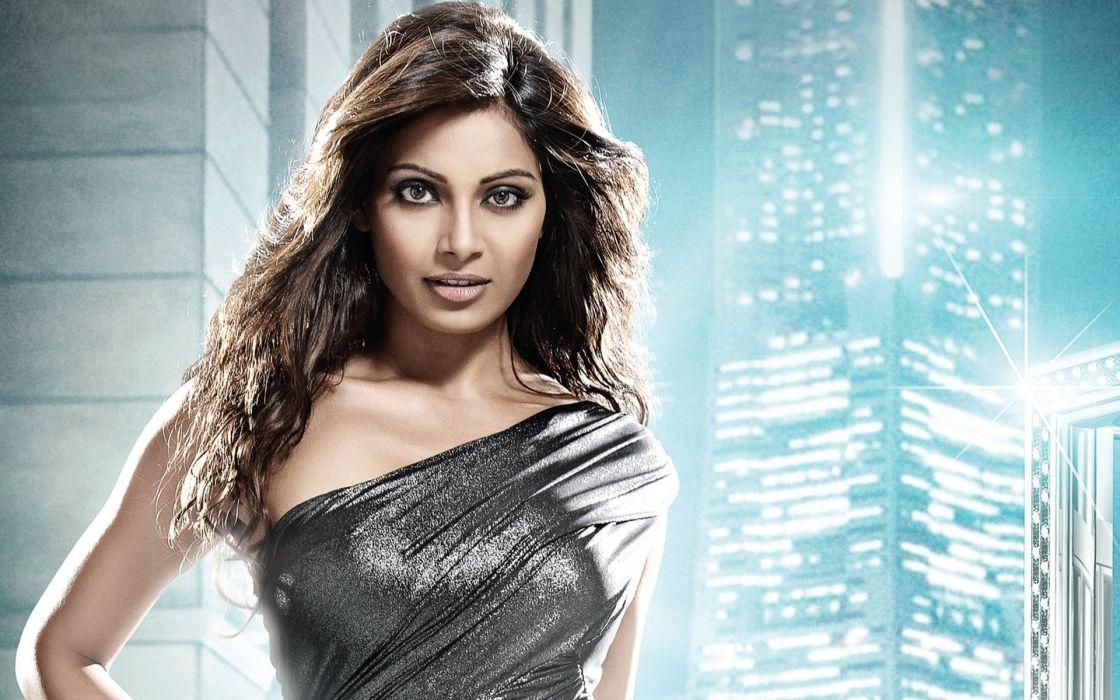 SHRUTI HASSAN indian actress bollywood singer model babe (69) wallpaper