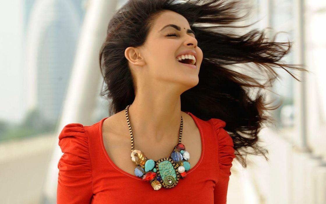 SHRUTI HASSAN indian actress bollywood singer model babe (70) wallpaper