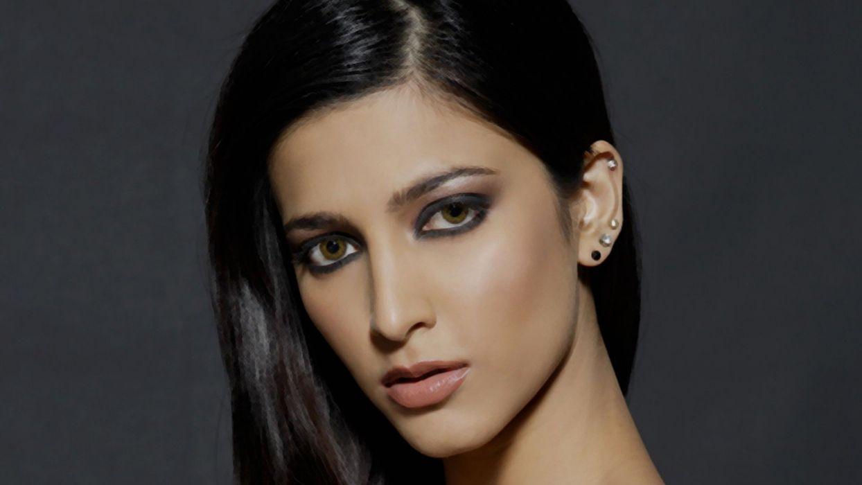 SHRUTI HASSAN indian actress bollywood singer model babe (94) wallpaper