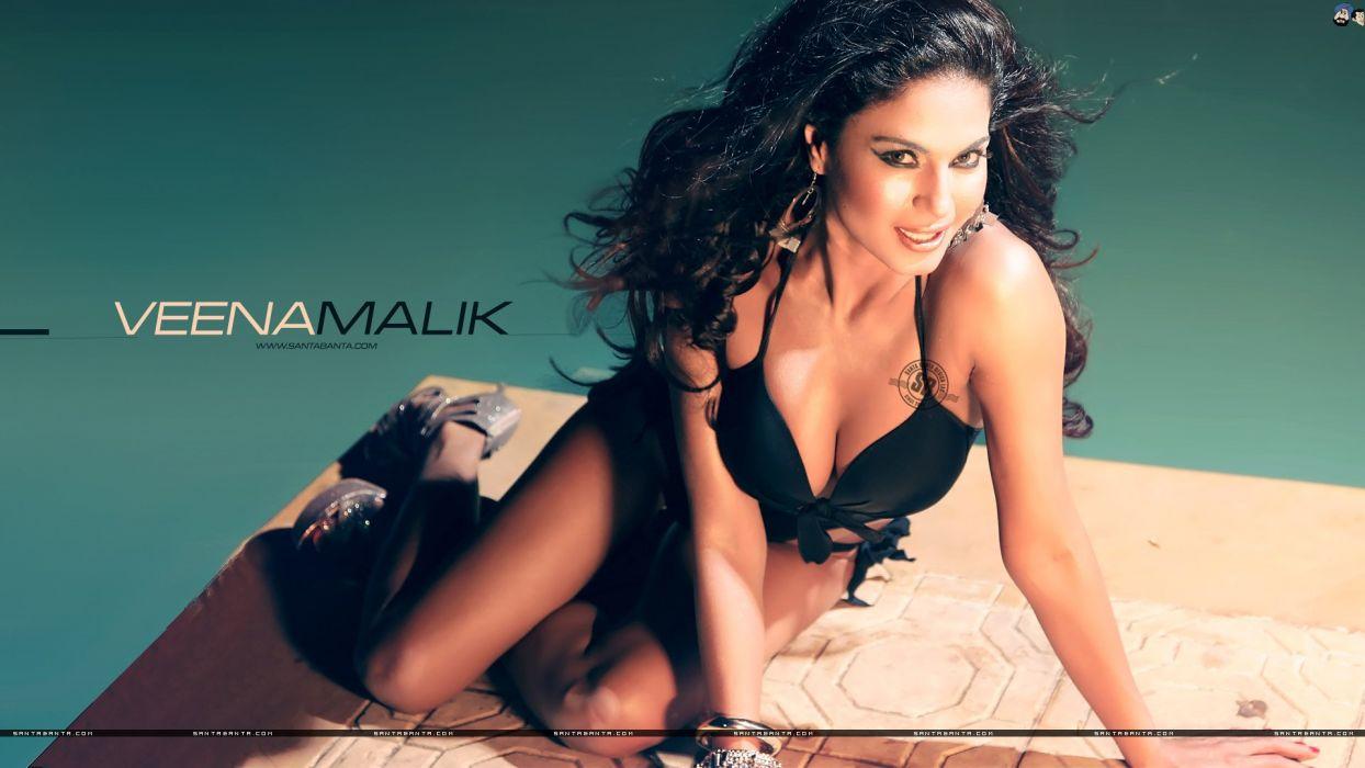 VEENA MALIK indian actress bollywood fashion model babe (15) wallpaper
