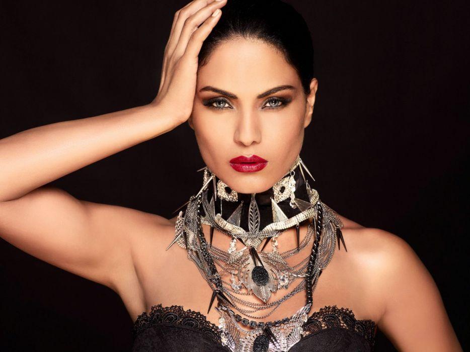 VEENA MALIK indian actress bollywood fashion model babe (45) wallpaper