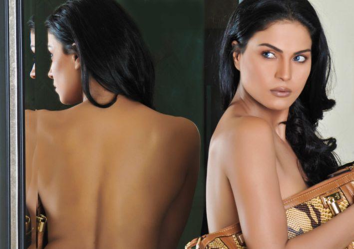 VEENA MALIK indian actress bollywood fashion model babe (50) wallpaper