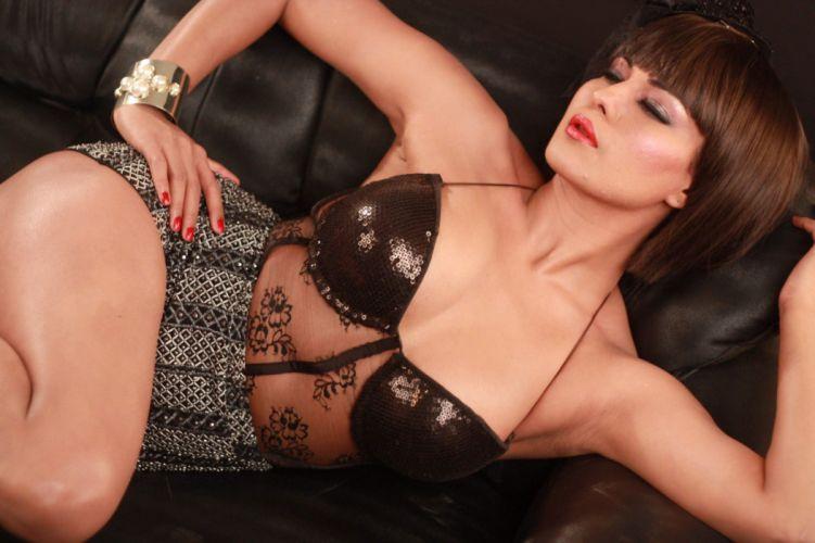 VEENA MALIK indian actress bollywood fashion model babe (47) wallpaper