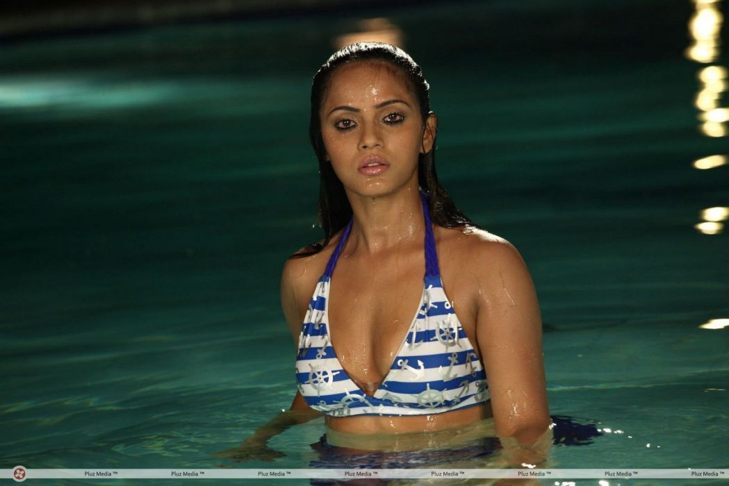 NEETU CHANDRA indian actress model martial arts model bollywood babe (5) wallpaper