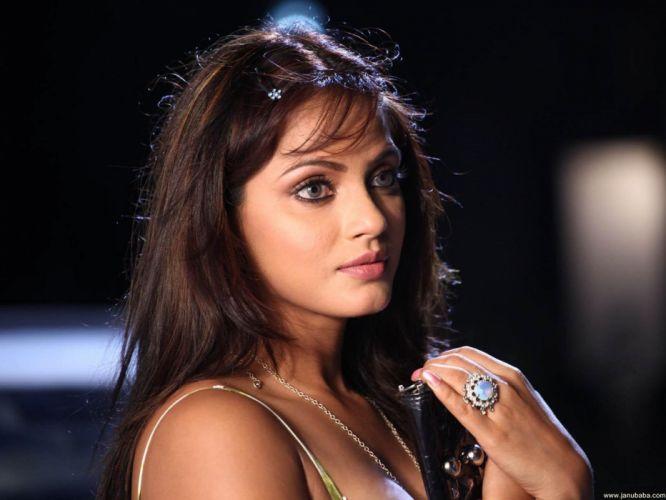 NEETU CHANDRA indian actress model martial arts model bollywood babe (29)_JPG wallpaper