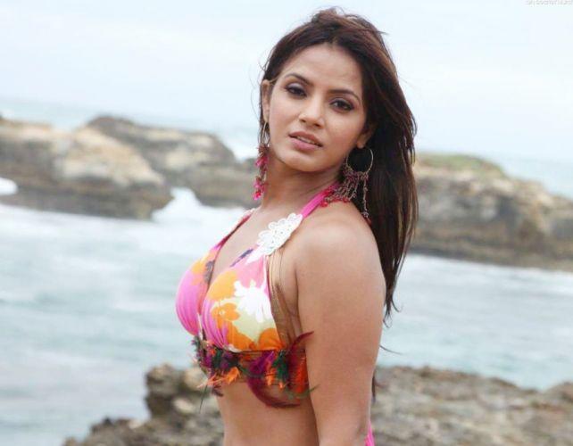 NEETU CHANDRA indian actress model martial arts model bollywood babe (41) wallpaper