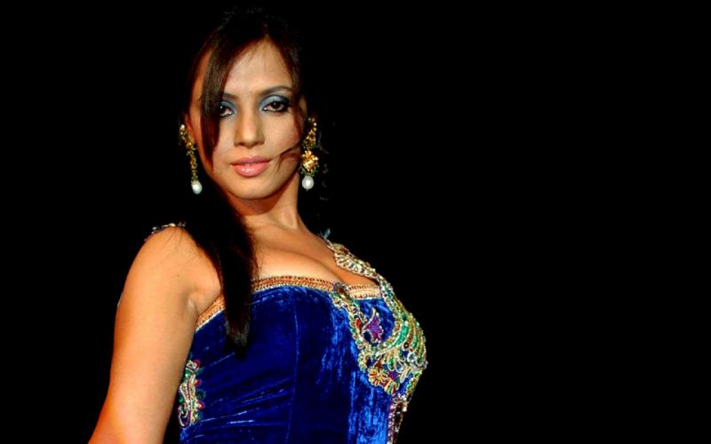 NEETU CHANDRA indian actress model martial arts model bollywood babe (55) wallpaper