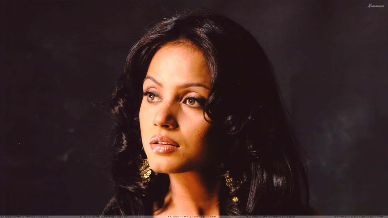 NEETU CHANDRA indian actress model martial arts model bollywood babe (86) wallpaper