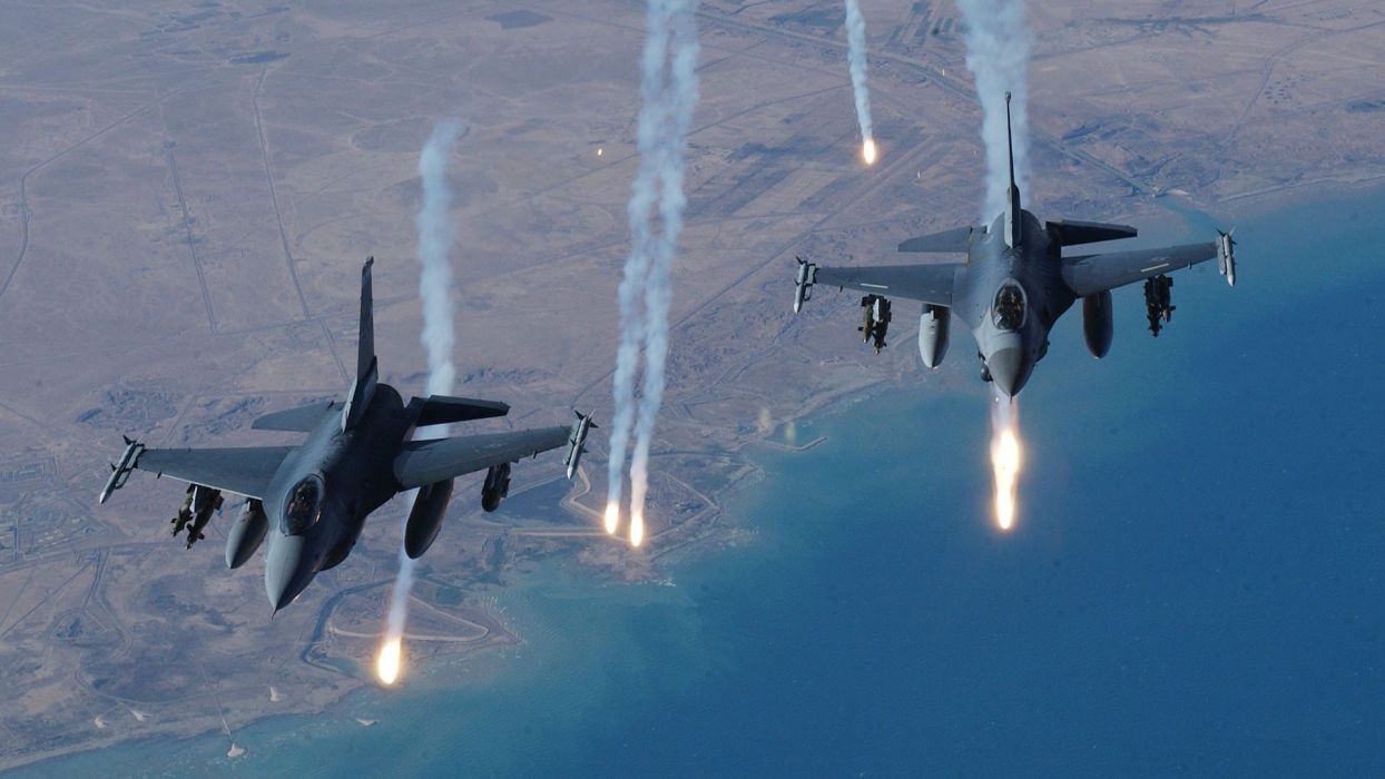 flares F-16 Fighting Falcon jet aircraft wallpaper