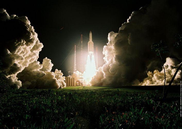 Ariane 5 ECA lift-off 2829x2000 wallpaper