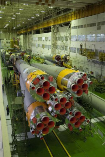 Roscosmos Space Soyuz-U launcher for Foton-M3 spacecraft 2007x3000 wallpaper