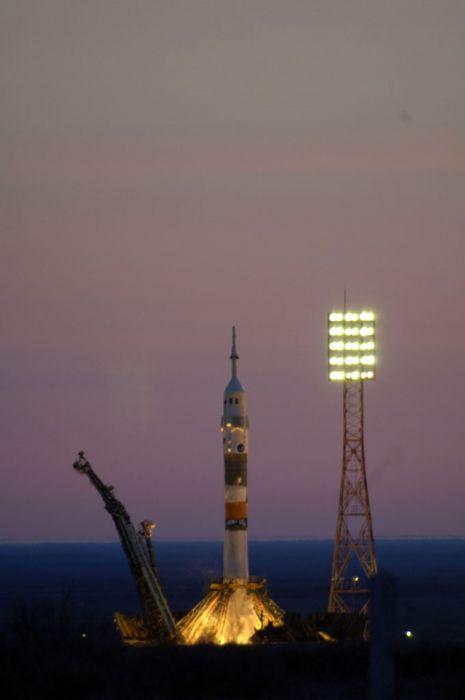 Roscosmos Space Soyuz launcher carrying ESAaeus Roberto Vittori 1992x3000 wallpaper
