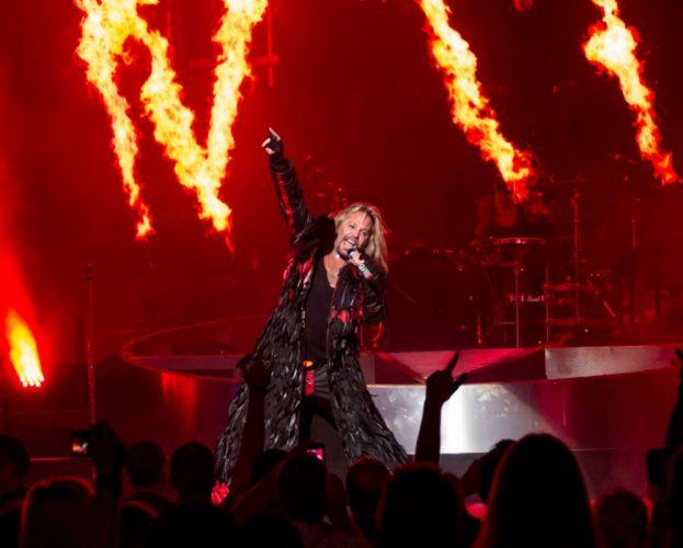 MOTLEY CRUE hair metal heavy concert singer gx wallpaper