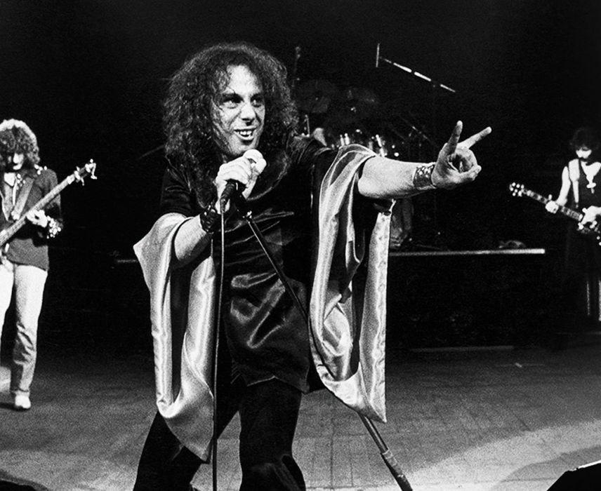 RONNIE JAMES DIO heavy metal black sabbath concert singer   vx wallpaper