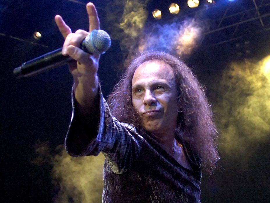 RONNIE JAMES DIO heavy metal concert singer     g wallpaper
