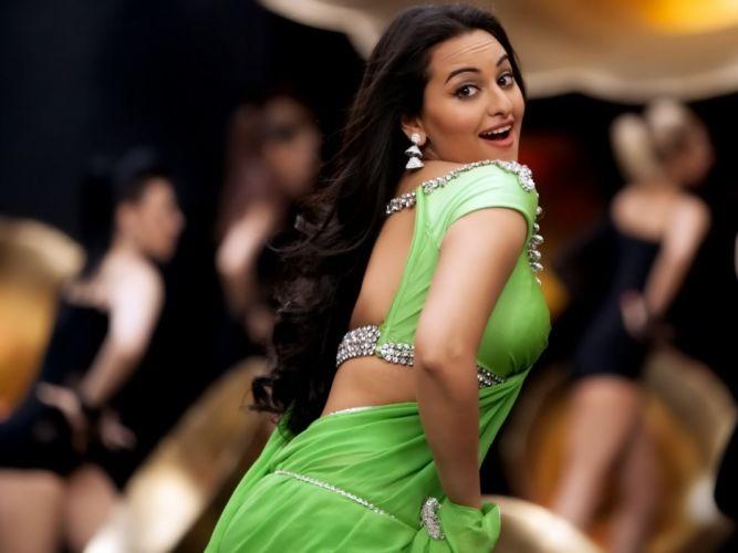 SONAKSHI SINHA indian actress bollywood babe model (53) wallpaper