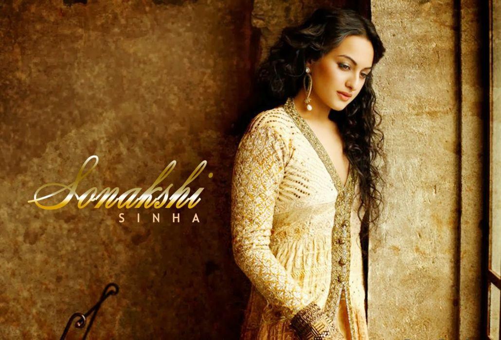 SONAKSHI SINHA indian actress bollywood babe model (92) wallpaper