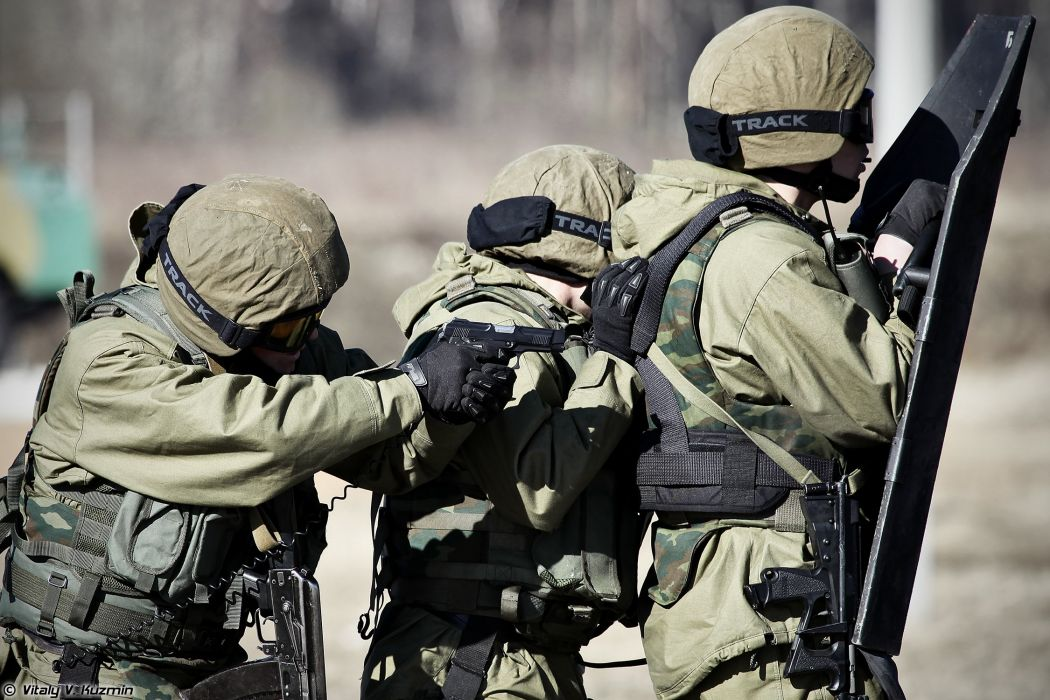 russian police troops special Operators from 33rd Special Purpose unit Peresvet surmount the assault course PYa pistol wallpaper