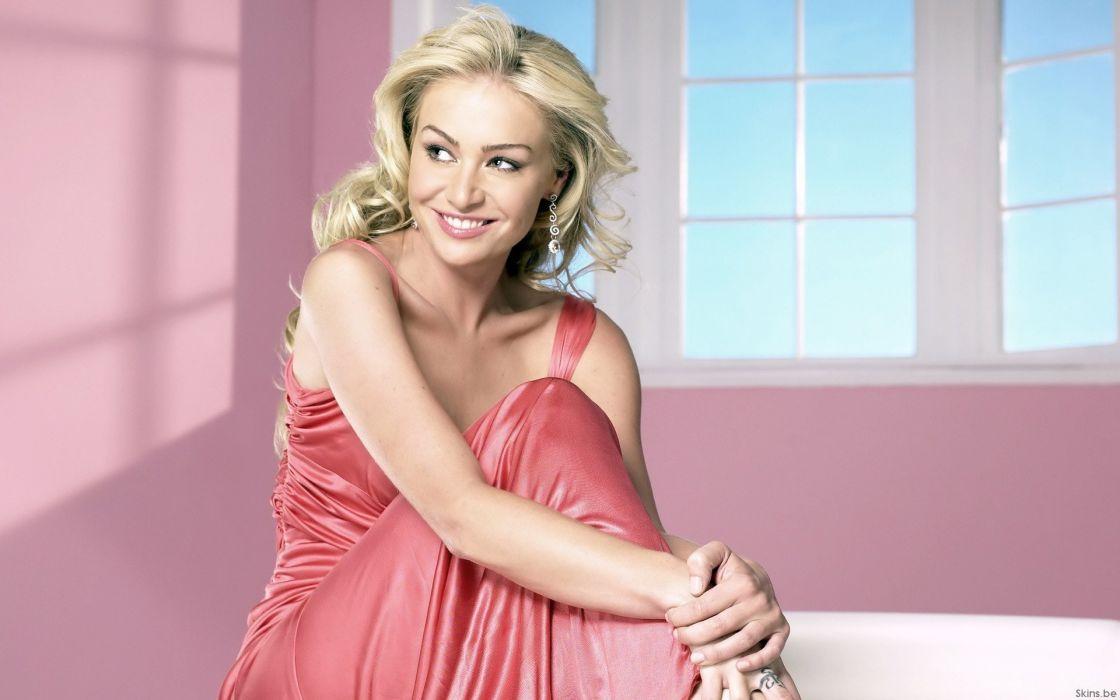 women Portia De Rossi window panes pink dress wallpaper