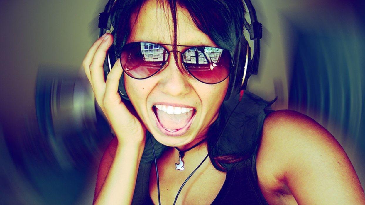 headphones women sunglasses wallpaper