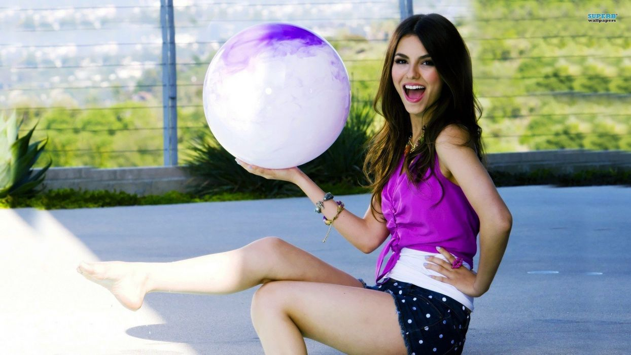 women Victoria Justice open mouth wallpaper