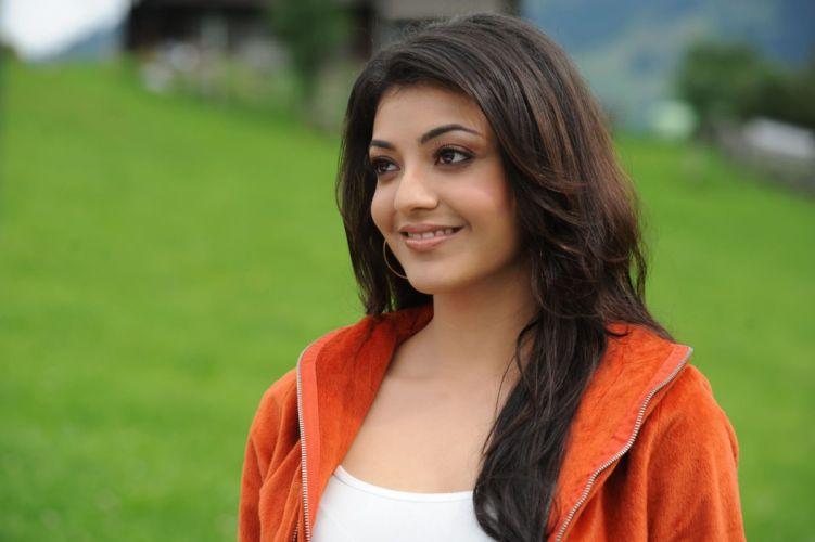 KAJAL AGARWAL indian actress bollywood model babe (11) wallpaper