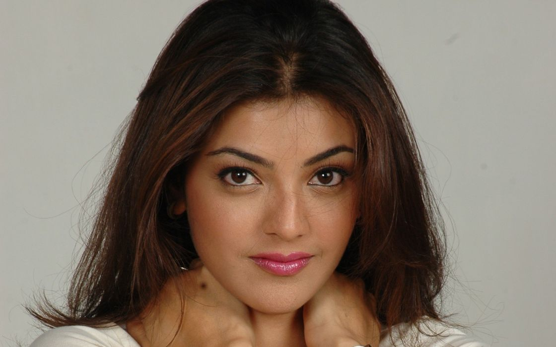 KAJAL AGARWAL indian actress bollywood model babe (34) wallpaper