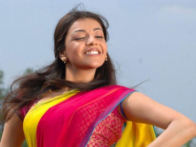 KAJAL AGARWAL indian actress bollywood model babe (52) wallpaper